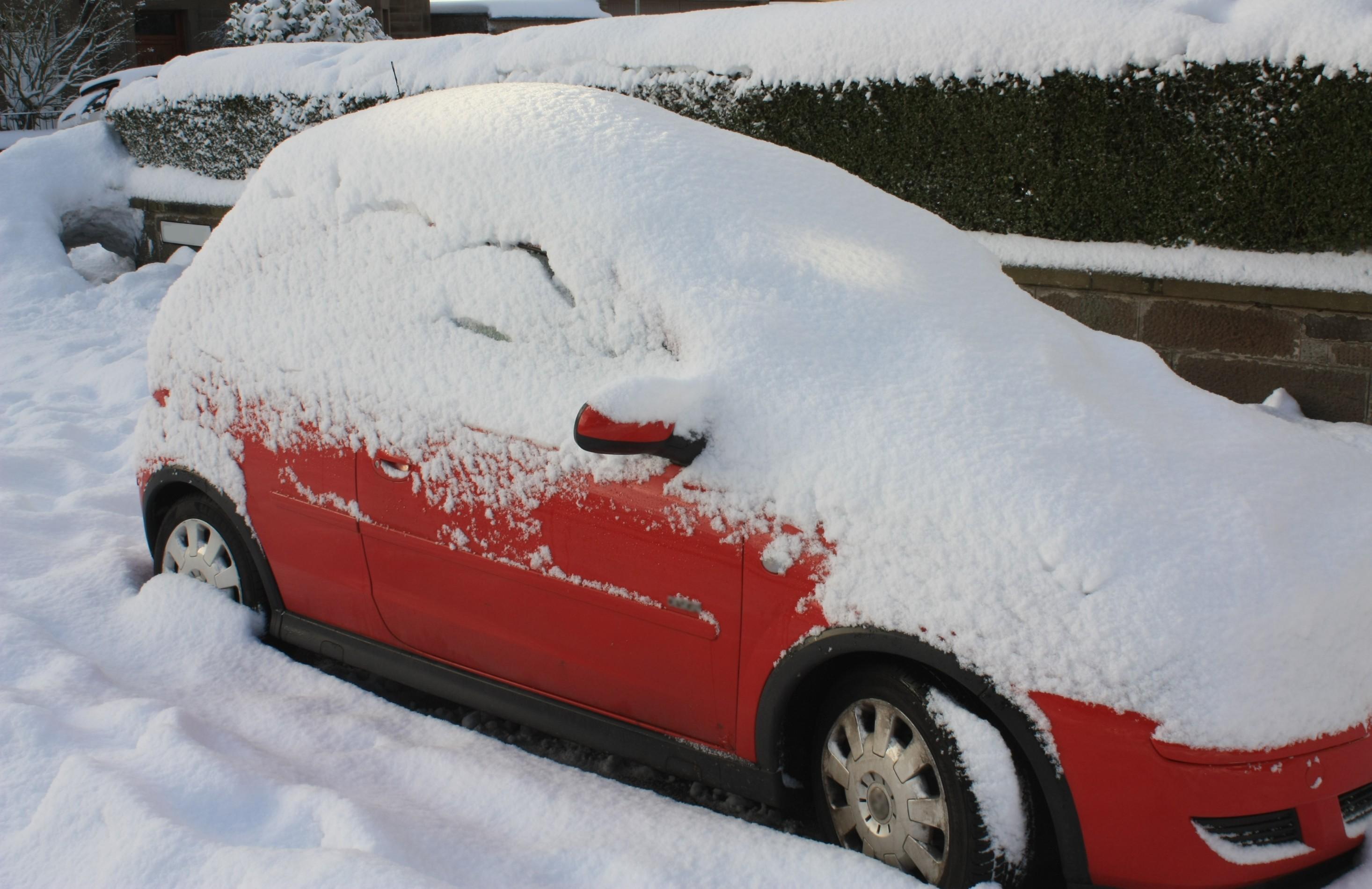눈덮인 차
